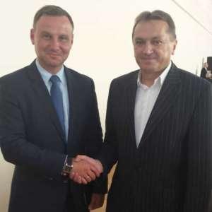 Mirosław Gębski, radny PiS, usłyszał wyrok za swoje homofobiczne okrzyki. Na zdjęciu z prezydentem Dudą/facebook.com