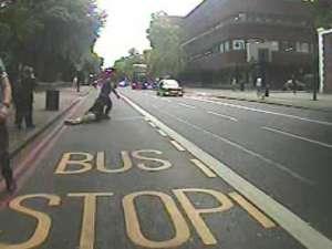 Kadr z filmu udostępnionego przez londyńską policję