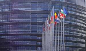 pixabay.com/pl/parlament-europejski-strasbourg-hpgruesen