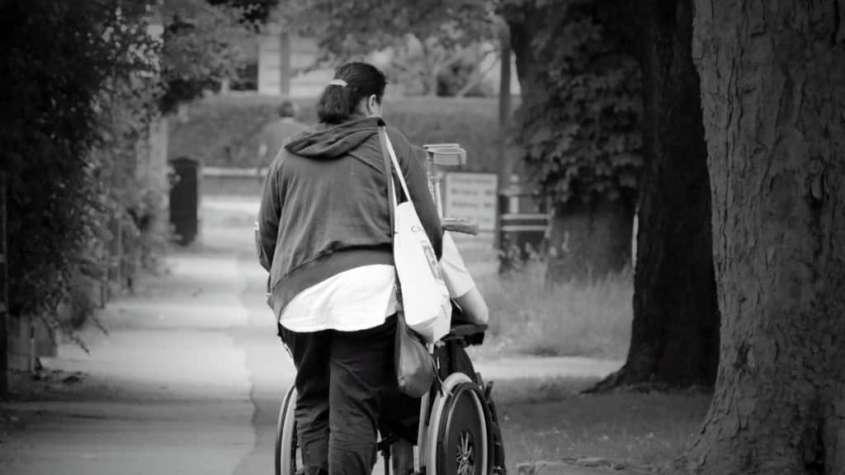 Spotykać się z kimś na temat niepełnosprawności z zabezpieczenia społecznego