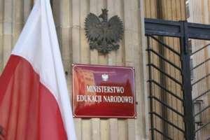 """""""Wyprawka szkolna"""" powoli odchodzi do historii / men.gov.pl"""