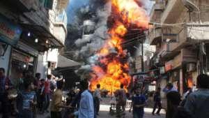 Wojska amerykańskie zbombardowały budynki, w których ukrywało się 200 cywilów, głównie kobiet i dzieci. Nie żyją co najmniej 73 osoby/youtube.com
