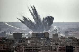 Amerykanie od dwóch miesięcy walczą z Państwem Islamskim o Manbidż. Już dawno przestali się liczyć z ofiarami cywilnymi swoich nalotów/flickr.com/ Jordi Bernabeu Farrús