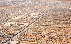 Obóz Za'atari w północnej Jordanii. Tylko tutaj mieszka ponad 80 tys. ludzi, niemal połowa wszystkich przyjętych przez Wlk. Brytanię/wikimedia commons