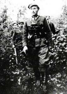 """Bohater propagandowego filmu - Mieczysław Dziemiszkiewicz """"Rój"""""""