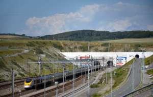Wjazd do tunelu w Calais / wikipedia commons