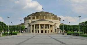 """Hala Stulecia, zaprojektowana przez jednego z architektów """"przypadkiem"""" działającego we Wrocławiu / fot. Wikimedia Commons"""