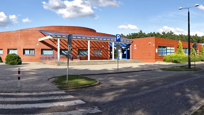 Szkoła Podstawowa nr 13 w Lesznie, źródło: Wikipedia