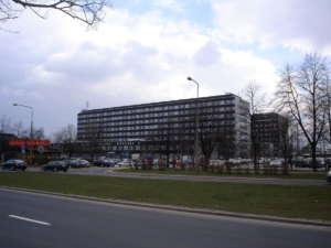 Centralny Szpital Kliniczny przy ul. Banacha w Warszawie, źródło: Wikimedia Commons